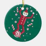 © del ornamento del duende del bastón de caramelo adorno navideño redondo de cerámica