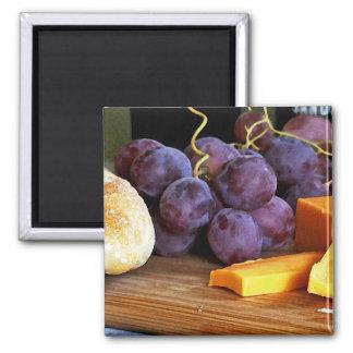 Del pan de las uvas todavía del queso cheddar vida imán cuadrado