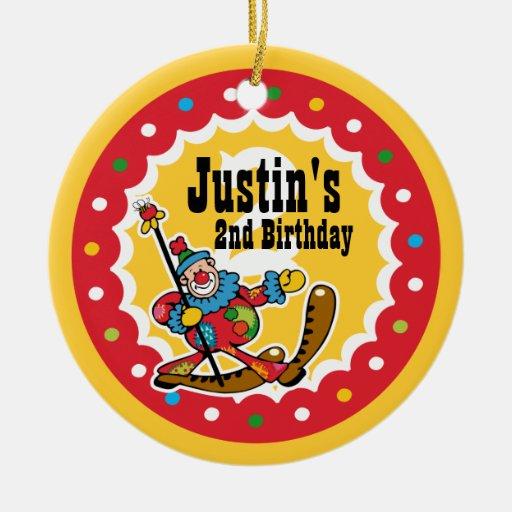 Del payaso 2do ornamento del cumpleaños alrededor adorno redondo de cerámica