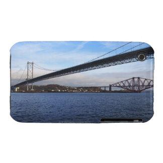 Del primero plano el puente del camino adelante es iPhone 3 carcasas