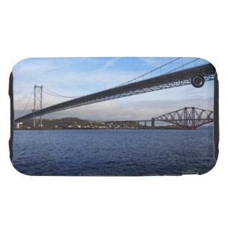 Del primero plano el puente del camino adelante es iPhone 3 tough carcasas