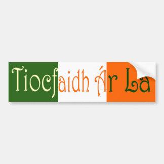 ¡Del  r Là de Tiocfaidh à (nuestro día vendrá) Etiqueta De Parachoque