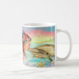 """Del """"taza beso del delfín"""" de la sirena por taza clásica"""