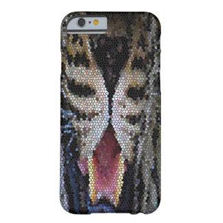 Del tigre extracto femenino cercano de la bola de funda de iPhone 6 barely there