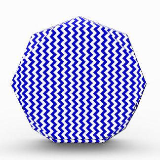 Del zigzag azul blanco y medio de par en par -
