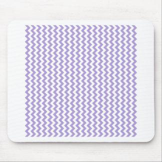 Del zigzag púrpura en colores pastel blanca y lige alfombrilla de ratones