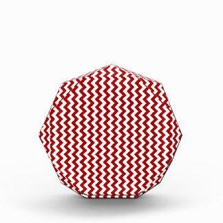 Del zigzag rojo blanco y oscuro de par en par - de