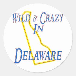 Delaware - salvaje y loco pegatina redonda