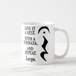 Déle un resto tazas de café