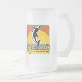 Delfín animal del rescate jarra de cerveza esmerilada