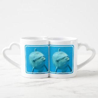 Delfín de Bottlenose subacuático Taza Amorosa