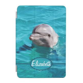 Delfín en foto del agua azul cover de iPad mini