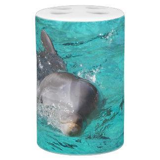 Delfín en fotografía del agua
