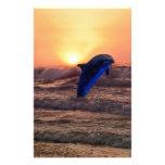 Delfín en la puesta del sol papelería de diseño
