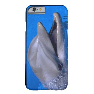Delfín hermoso del caso lindo del iPhone 6 Funda Barely There iPhone 6
