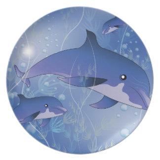 Delfín hermoso plato de comida