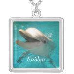 Delfín sonriente colgante personalizado