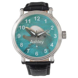 Delfín sonriente reloj