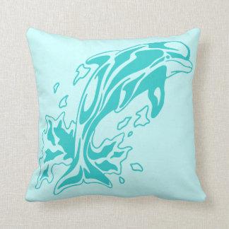Delfín tribal almohadas