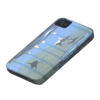 Delfínes bajo caso de Barely There del iPhone 4 de iPhone 4 Case-Mate Cobertura
