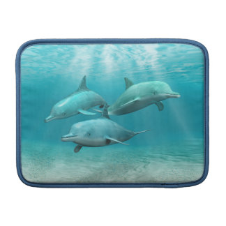 Delfínes de la natación funda  MacBook