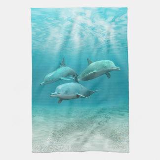 Delfínes de la natación toalla de cocina