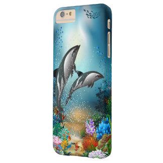 Delfínes de los pares que juegan en el océano funda de iPhone 6 plus barely there