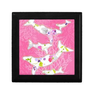 Delfínes en fondo rosado floral cajas de recuerdo