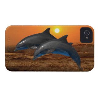 Delfínes en la puesta del sol funda para iPhone 4
