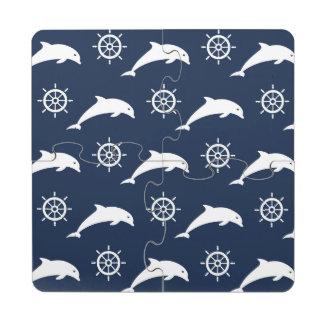 Delfínes en modelo del desfile posavasos de puzzle