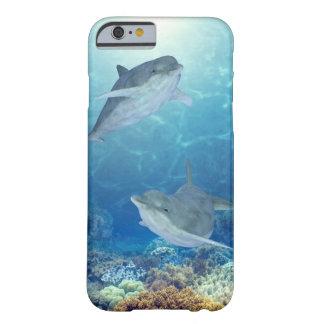 delfínes felices funda de iPhone 6 slim