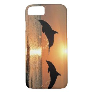Delfínes por puesta del sol funda iPhone 7