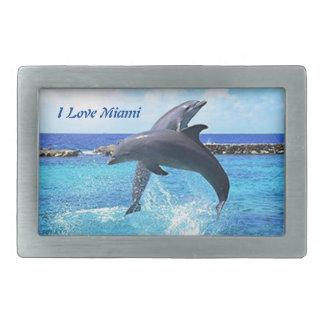Delfínes que juegan en el océano hebillas de cinturón rectangulares