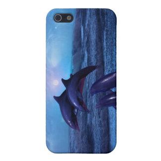 Delfínes que juegan en el océano iPhone 5 carcasas