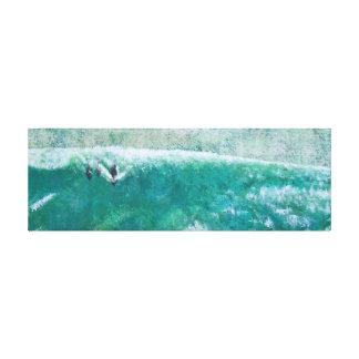 Delfínes que practican surf impresiones en lona