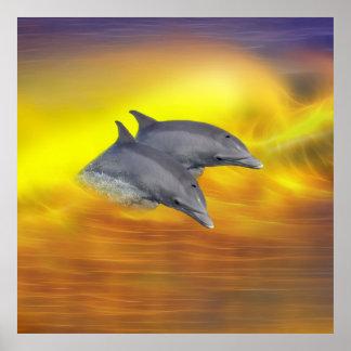 Delfínes que practican surf las ondas impresiones