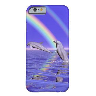 Delfínes y arco iris funda para iPhone 6 barely there