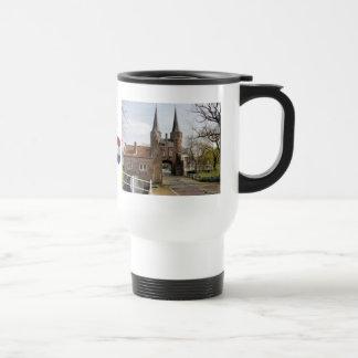Delft canales y entrada de la ciudad tazas de café