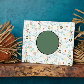 Delicate floral design plaque