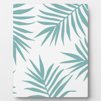 Delicate Green Tropical Leaves Pattern Plaque