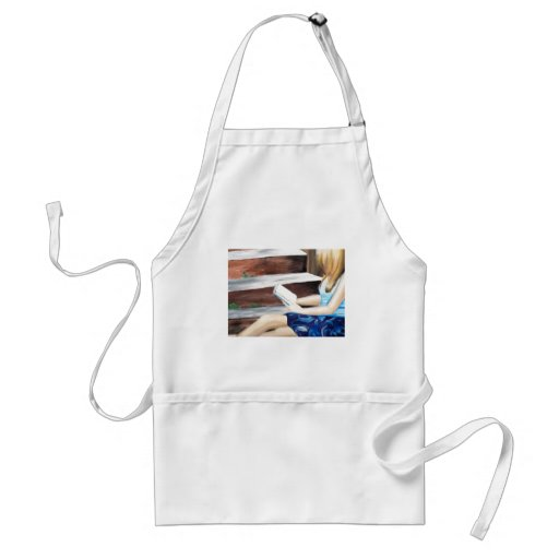 Delicate reading aprons