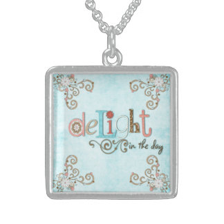Delight in the day floral personalized necklace