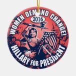 Demanda Hillary 2016 de las mujeres Adorno Navideño Redondo De Cerámica