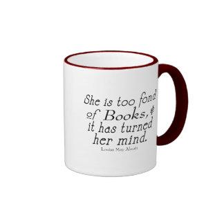 Demasiado encariñado con los libros, taza de café