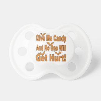 Déme el caramelo que nadie conseguirá lastimado chupetes para bebes