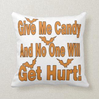 Déme el caramelo que nadie conseguirá lastimado almohada