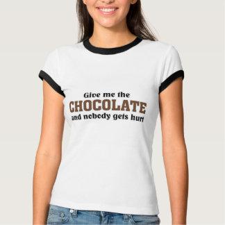 Déme el chocolate y nadie consigue daño polera