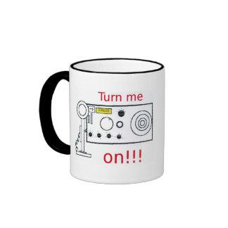 Déme vuelta en la taza de café de radio