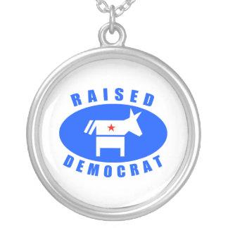 Demócrata criado colgante personalizado