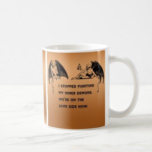 Demonio interno taza de café